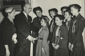 Margaretha Sinclairgroep op bezoek bij burgemeester